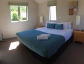 Arrowfield Apartments - Arrowfield Apartments, Arrowtown - Bedroom 1